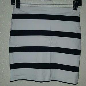 White and black striped mini skirt